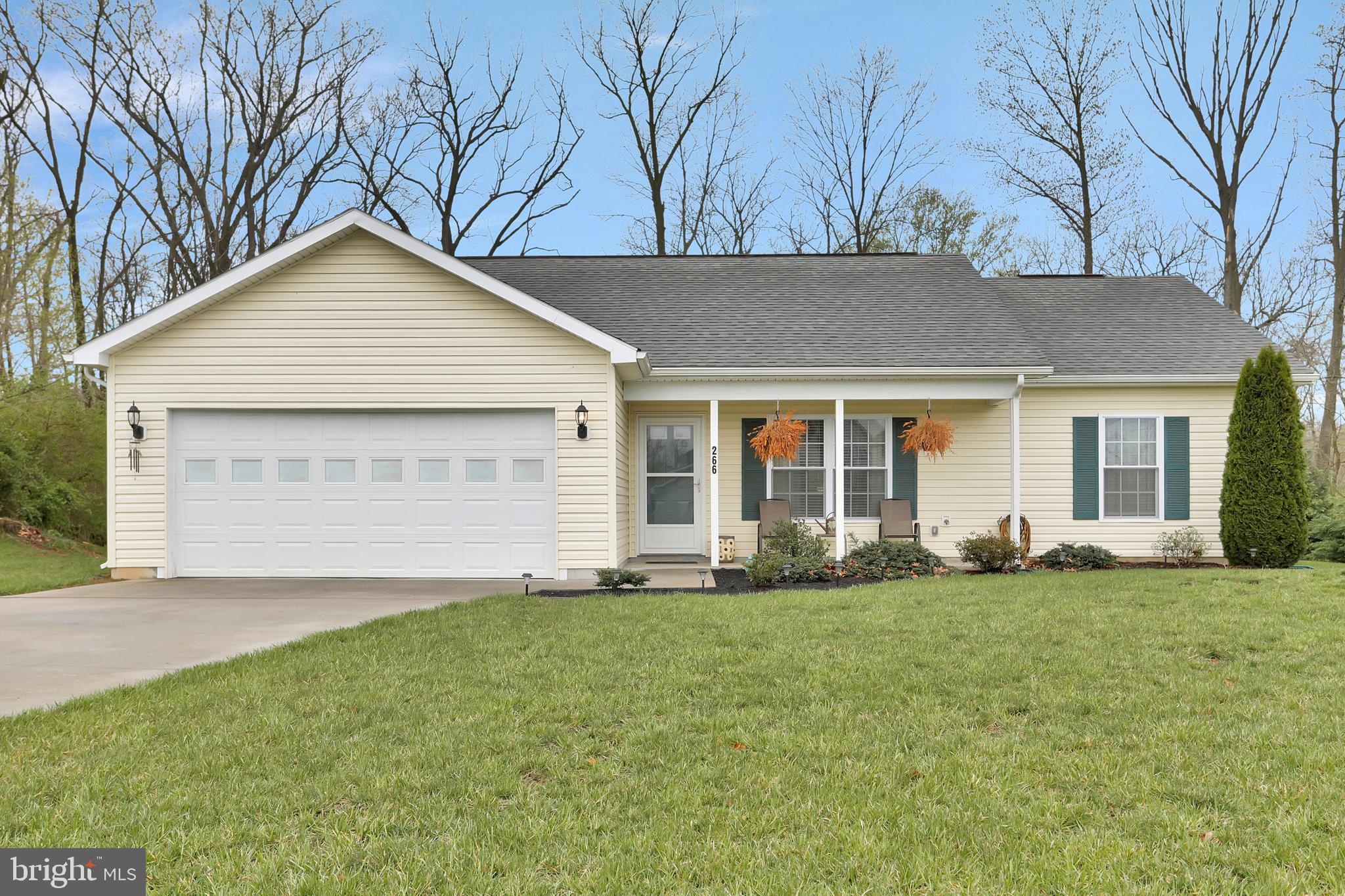 266 Close Dr, Martinsburg, WV, 25404
