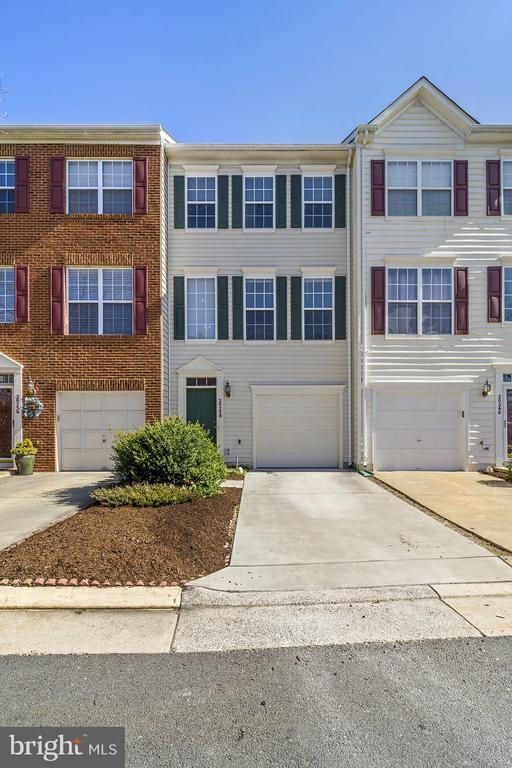 Move-in immediately. Wood Floors on all levels, main level refinished! Excellent conditions, freshly painted Townhome in sought after University Center! Great schools, very close to One Loudoun and route 7 & 28. 2 story foyer, open floorplan with 3 level bump-out, Family room off of spacious kitchen, beautifully refinished cabinets, upgraded countertops, Stainless Steel appliances, tons of windows and natural light. Primary bedroom with attached luxury bath with separate tub and shower and updated mirrors and light fixtures, 2 generous secondary bedrooms. Walk out lower level with cozy fireplace and sliding door to backyard. 1 car attached garage with newly finished floor. Great amenities which include pool, tennis courts, playground, basketball court and more. Local commuter bus nearby. Convenient to hiking trails including the W&OD and Bles Park. Across from George Washington University Science & Tech campus area building. Nearby shopping, dining and entertainment. Don't miss this opportunity!