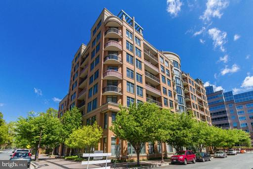 3625 10th St N #903, Arlington, VA 22201