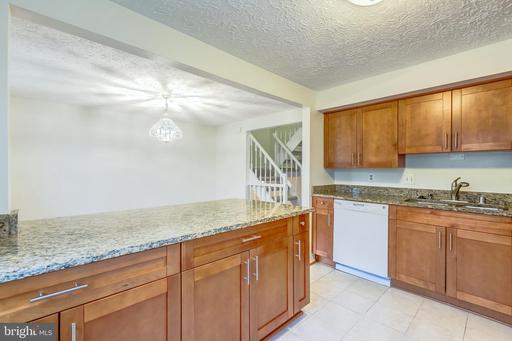 13619 Clarendon Springs Ct Centreville VA 20121
