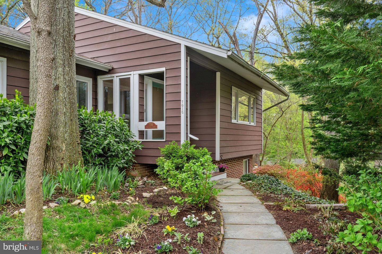7016 Braeburn Place   - Bethesda, Maryland 20817