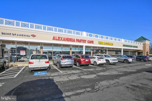 1200 Stonnell Pl Alexandria VA 22302