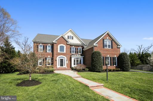 8903 Grist Mill Woods Ct Alexandria VA 22309