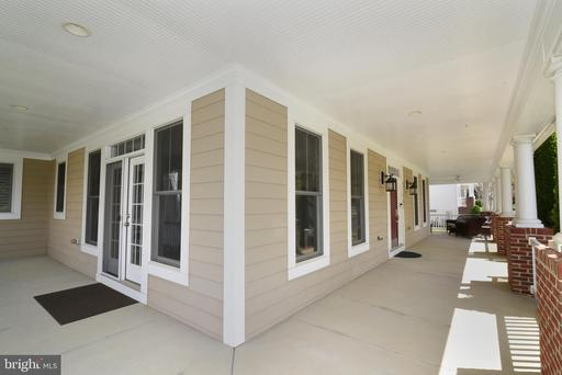21987 Auction Barn Dr Ashburn VA 20148
