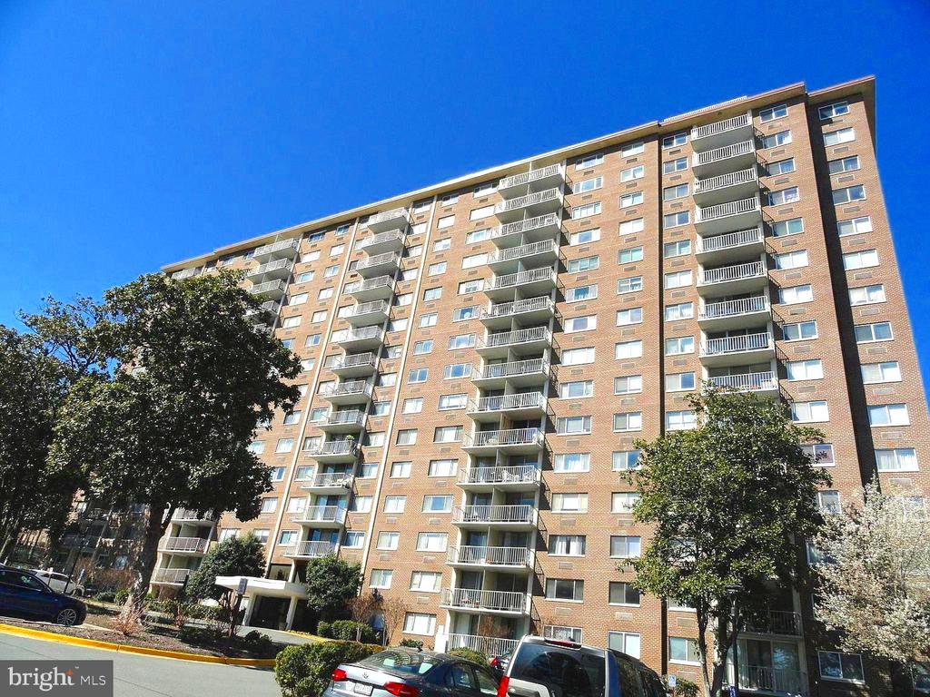2059 Huntington Ave #1404, Alexandria, VA 22303