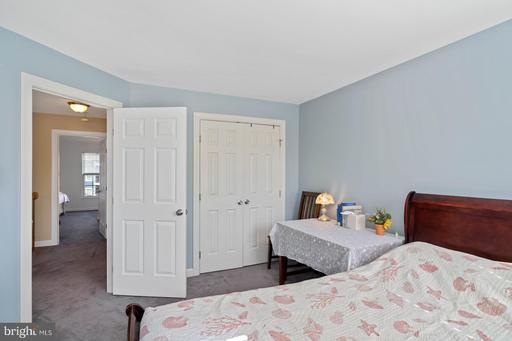 14217 Glade Spring Dr Centreville VA 20121