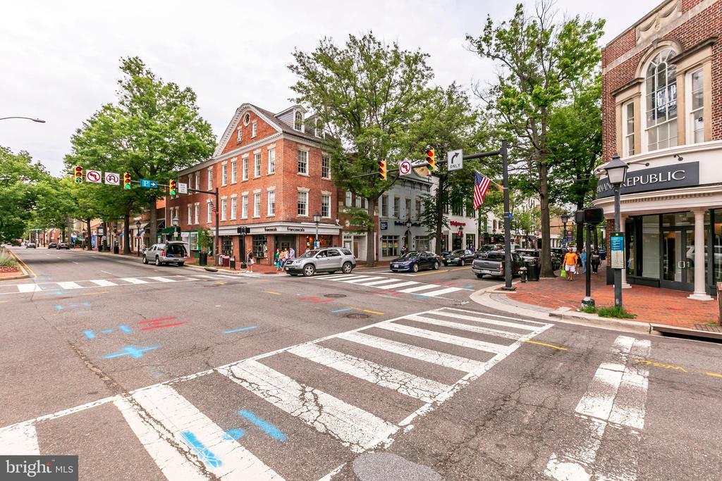 Photo of 115 N Lee St #Bh212