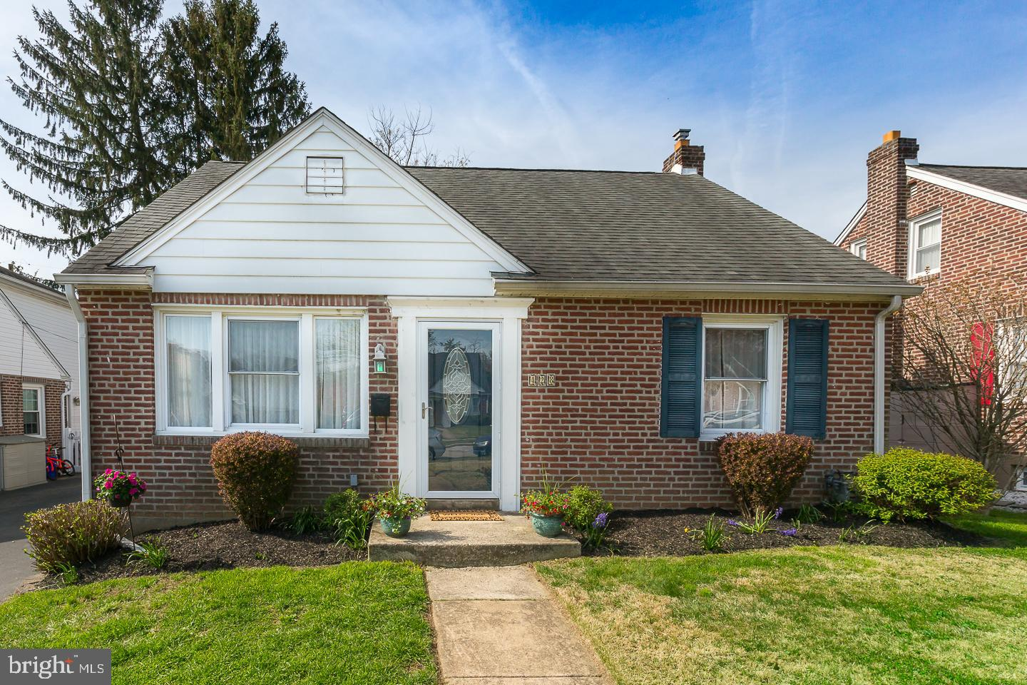 428 Lawrence Road Havertown , PA 19083