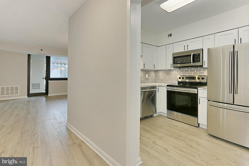 Photo of 1805 Crystal Dr #1004s