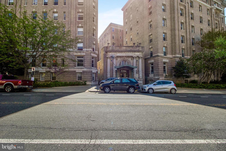 2022 Columbia Road Street NW #204 - Washington, District Of Columbia 20009