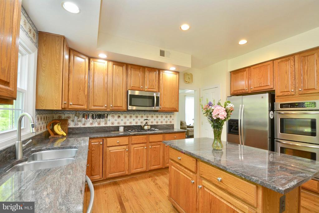Photo of 8605 Woodland Heights Ct