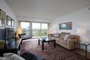 1300 Army Navy Dr #908