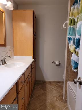 14517 Sully Lake Ct Centreville VA 20120