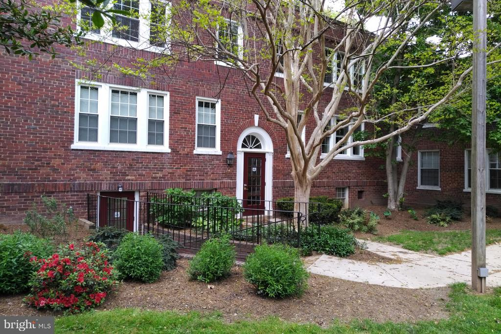 Photo of 1741 N Troy St #8-422