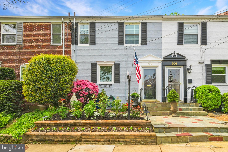 204 Guthrie Avenue   - Alexandria, Virginia 22305