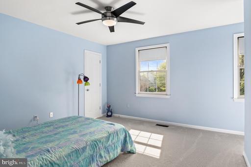 14705 Calvary Pl Centreville VA 20121