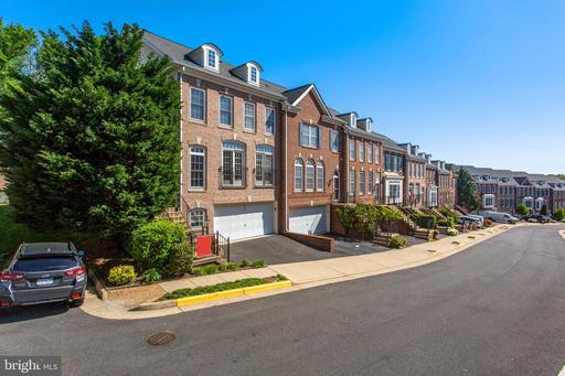 3364 Wilton Crest Ct, Alexandria, VA 22310