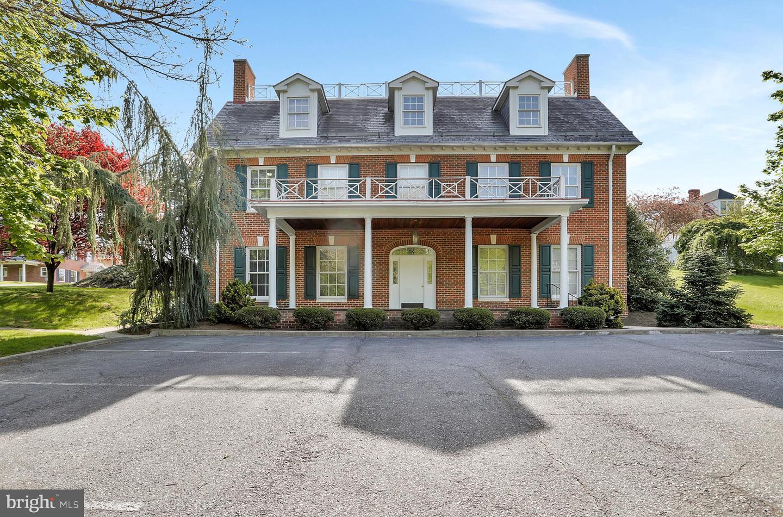 Martinsburg                                                                      , WV - $849,900