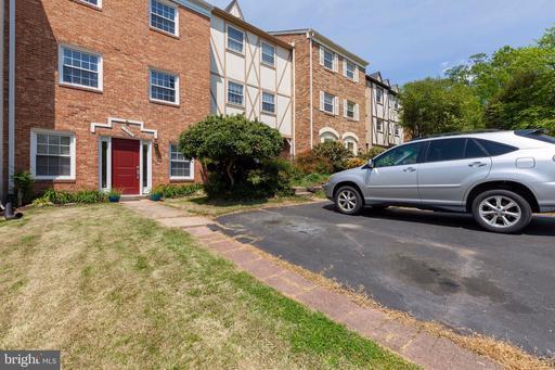 14850 Haymarket Ln Centreville VA 20120