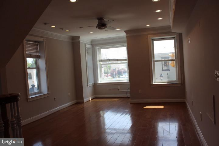 Photo of 1001 King St