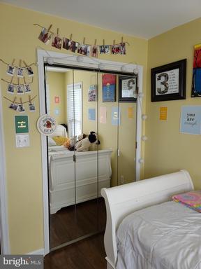 6521 Creek Run Dr Centreville VA 20121