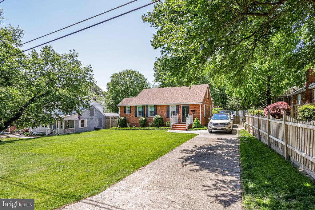 Photo of 2509 Fairview Dr