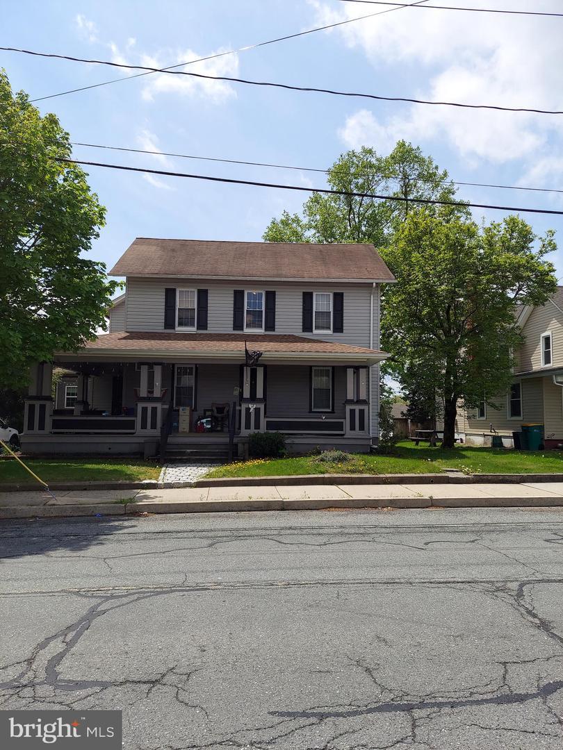 6-8 Main St Street Trumbauersville, PA 18970