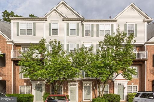 12759 Fair Crest Ct #28, Fairfax, VA 22033