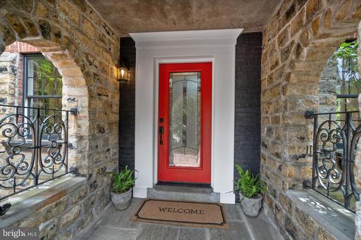 1817 N Glebe Rd Arlington VA 22207