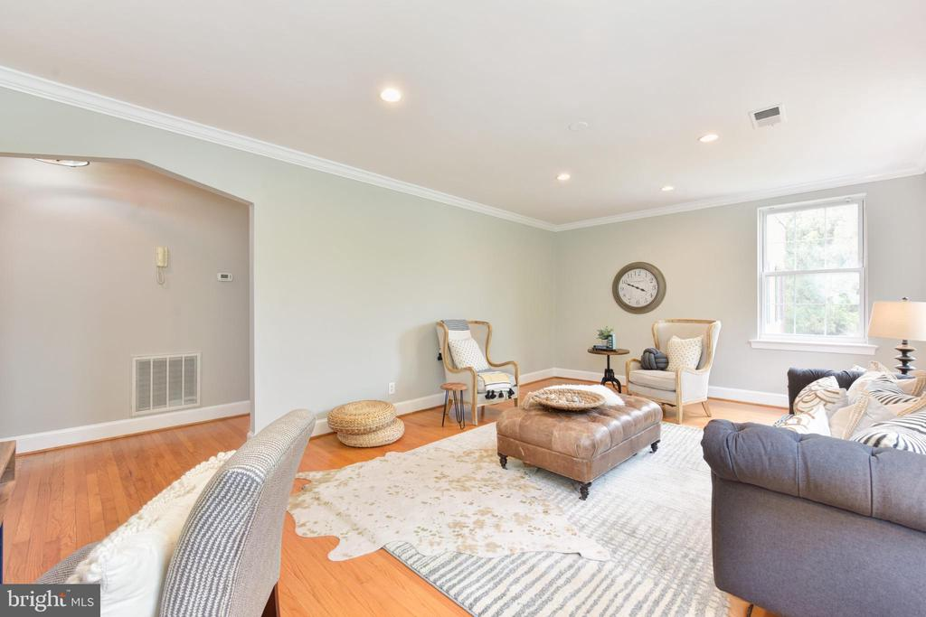 Photo of 400 Commonwealth Ave #306