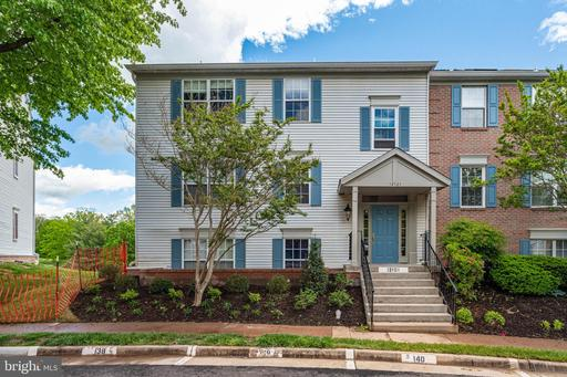 12101 Greenway Ct #210, Fairfax, VA 22033
