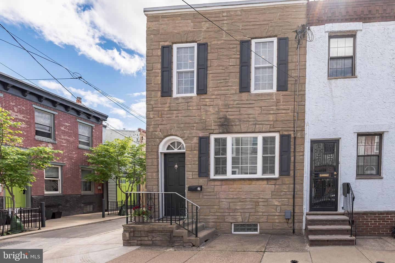 1221 S Juniper Street Philadelphia, PA 19147