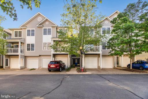 4548 Superior Sq, Fairfax, VA 22033