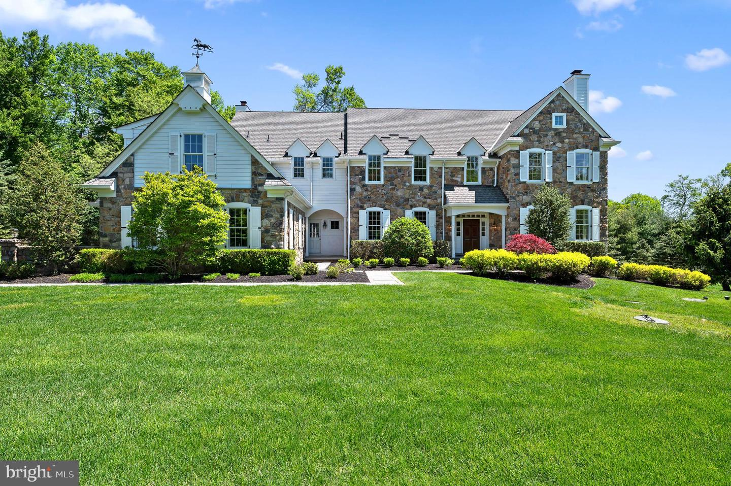 56 Farrier Lane Newtown Square, PA 19073