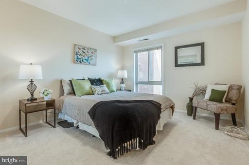 5250 Valley Forge Dr #511, Alexandria 22304