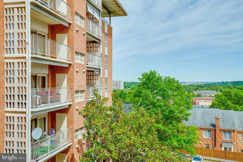 Photo of 5250 Valley Forge Dr #511