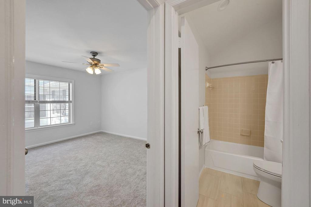 Photo of 2911-H S Woodley St #8