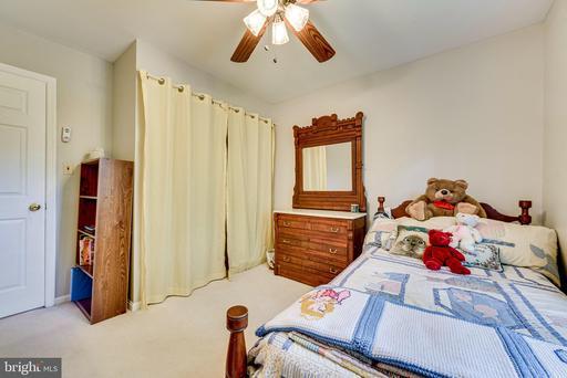 10912 Rippon Lodge Dr Fairfax VA 22032