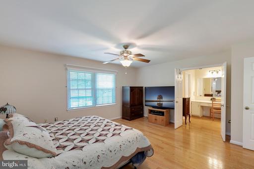 4501 Gilbertson Rd Fairfax VA 22032