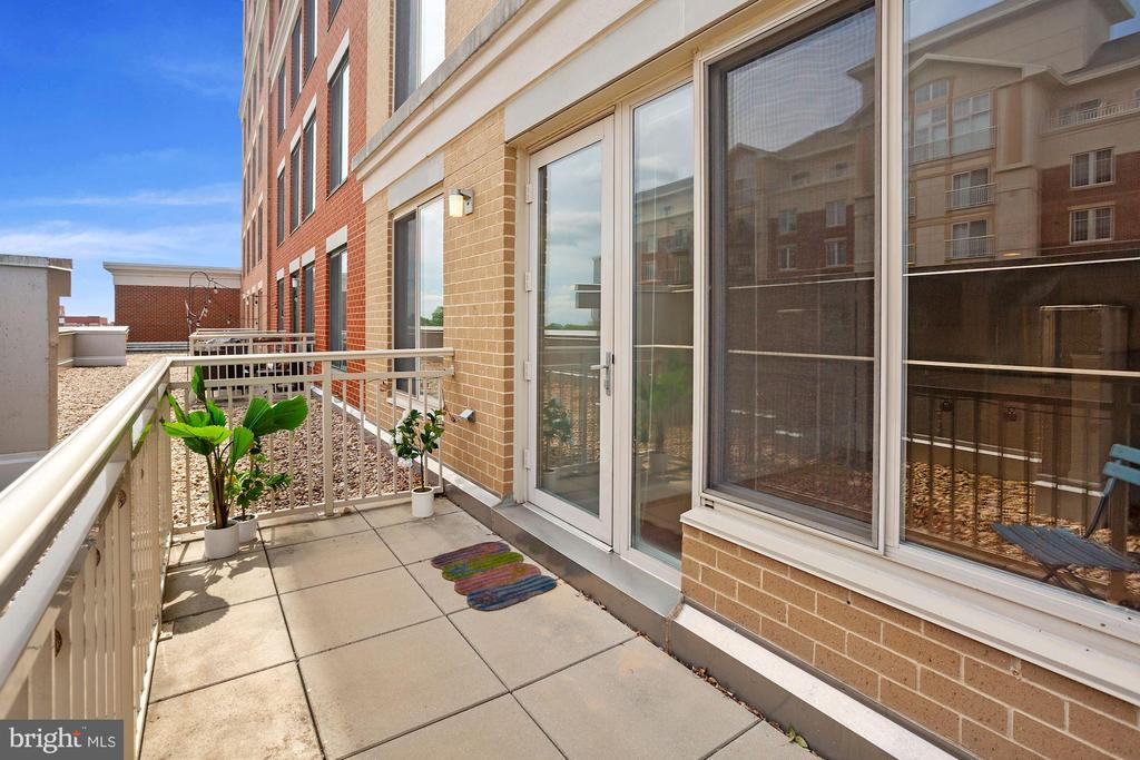 Photo of 1220 N Fillmore St #506
