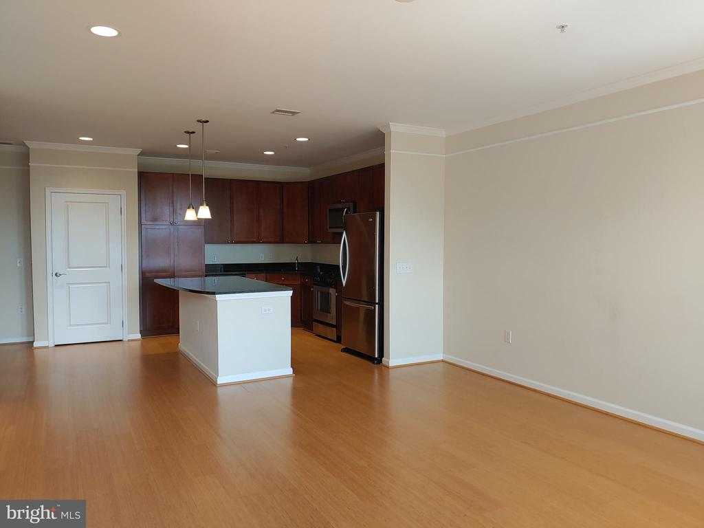 Photo of 444 W Broad St #722