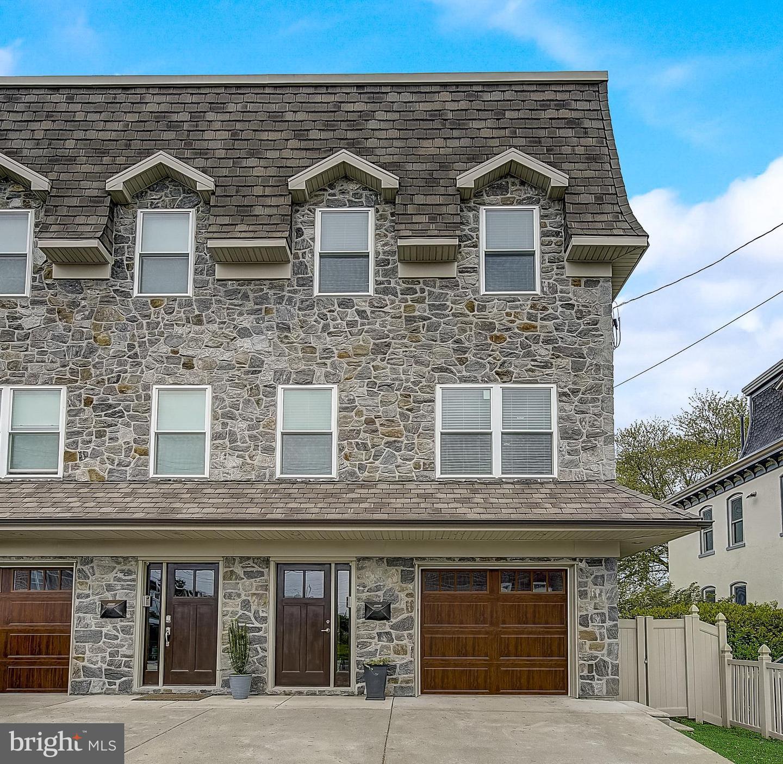 Philadelphia                                                                      , PA - $735,000