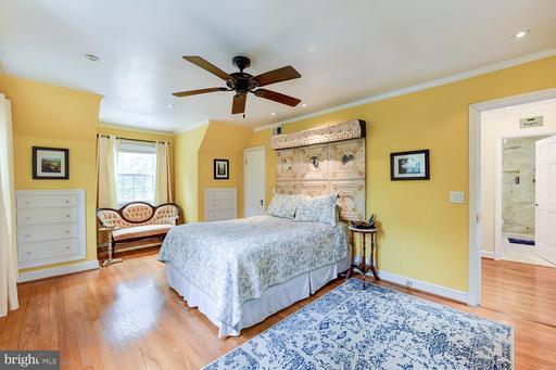 8647 Mount Vernon Hwy Alexandria VA 22309