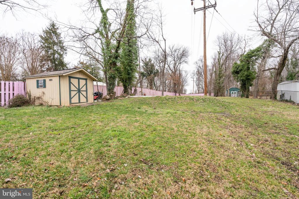 Photo of 2500 Fairview Dr