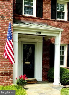 930 N Liberty St Arlington VA 22205