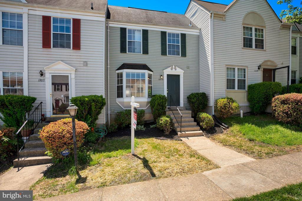 13879 Laura Ratcliff Ct, Centreville, VA 20121