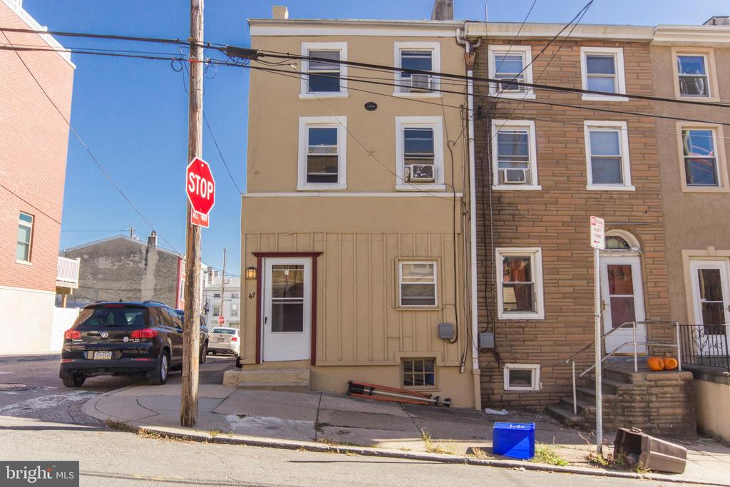 AVAILABLE 7/1/2021 - This beautiful 4 bedroom/ 2 bathroom property in the Manayunk section of Philadelphia is definitely one that needs to be seen. Living room has an open layout that is great for entertaining guests. Comes with all kitchen appliances that you could possibly need. All bedrooms are very large. Back patio that is great for summer days. Washer/Dryer. 2 minute walk from the shops, restaurants, and night life of Main St.
