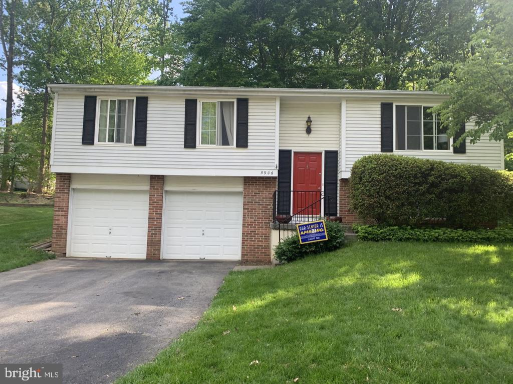 Photo of 5906 Oak Leather Dr