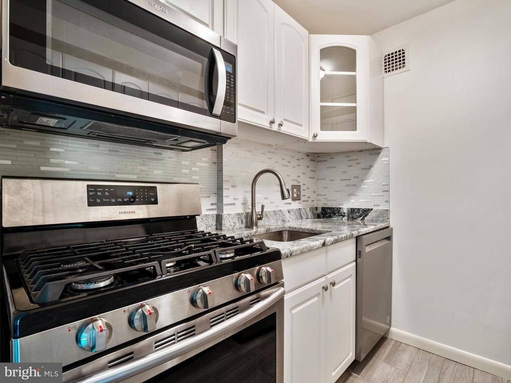 Photo of 1931 N Cleveland St #310