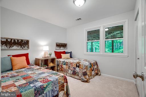 4765 Tapestry Dr Fairfax VA 22032